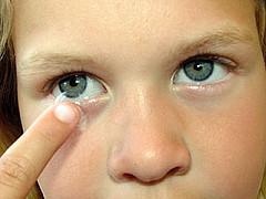 Контактные линзы положительно влияют на психику близоруких детей