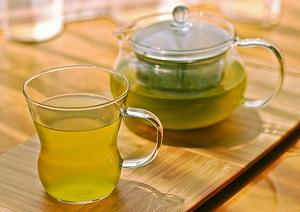 Повышает или понижает давление зеленый чай?