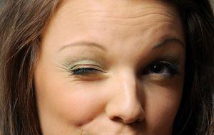 Как лечить нервный тик глаза?