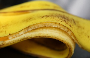 6 малоизвестных лечебных методов применения кожуры банана