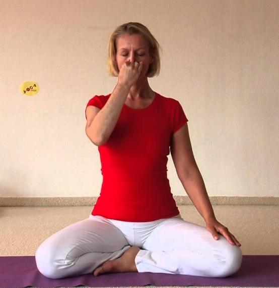 Дыхание через левую ноздрю (Surya Bhedana)