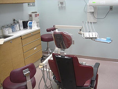 А не пора ли сходить в стоматологию на приём?