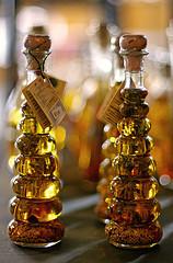 бутылки с оливковым маслом