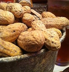 От аллергии на арахис ребенка спасет арахис