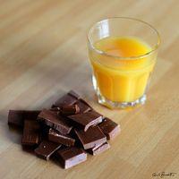 С помощью фруктового сока можно снизить содержание жиров в шоколаде