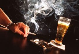 А знаете ли вы, что курение приводит к алкоголизму?