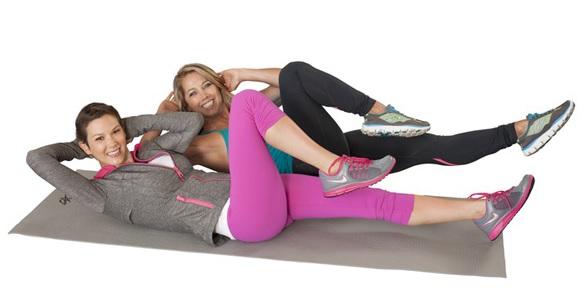 Тренировка основных мышц лежа – велосипедиком